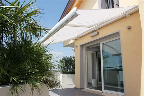 lateral arm awnings the venezia retractable awning retractableawnings com