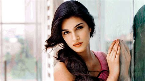 hindi film actress age top hottest and youngest bollywood actresses under age 30