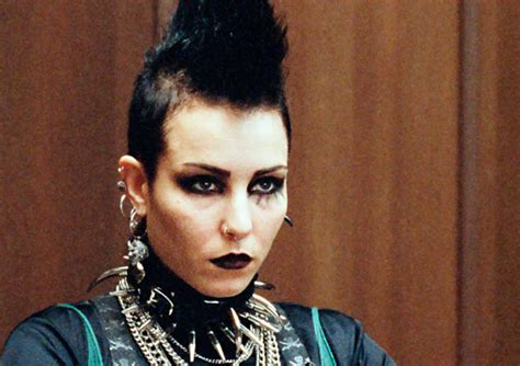 dragon tattoo noomi rapace girl with the dragon tattoo noomi rapacehelenasaurus