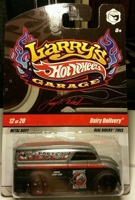 Hot Wheels Dairy Delivery Larry's Garage 1/64