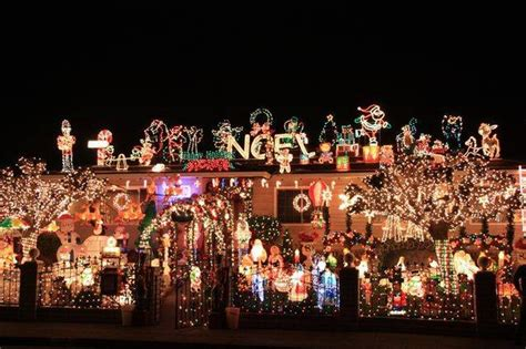 best christmas house decorations best neighborhoods for holiday home decorations 171 cbs san