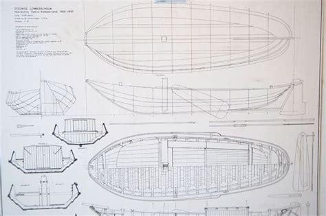 houten blokken platbodem traditional maritime skills ontwerp romp en spanten bij