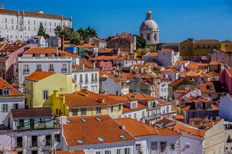 alfama district lisbon  town