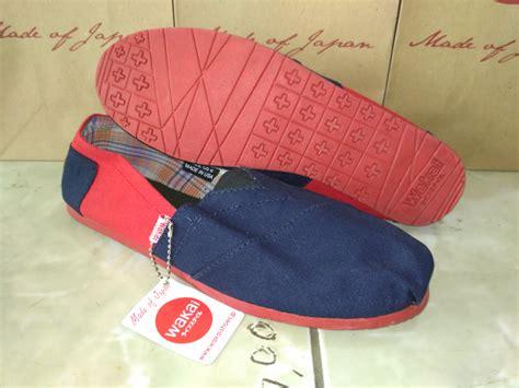 jual sepatu wakai navy merah grade original baru sepatu slip on pria berkualitas