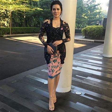 Pakaian Isyana Dress best 25 kebaya modern dress ideas on model