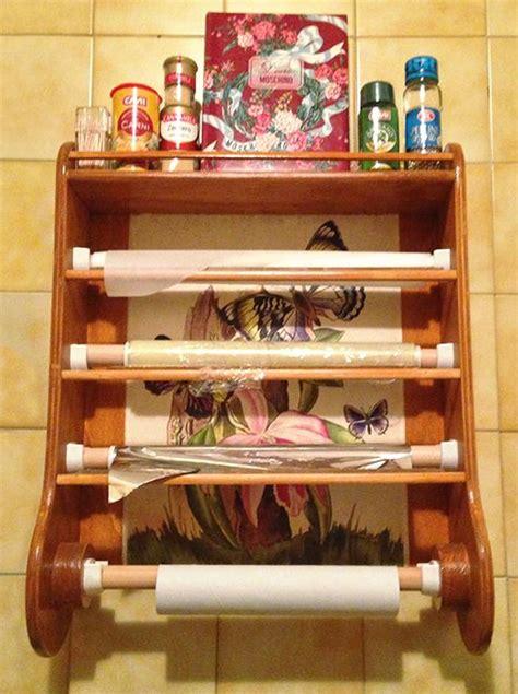 cucina fai da te legno portarotoli fai da te da parete per la cucina