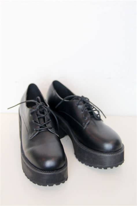 Brogue Chunky Heel Shoes chunky heel brogue black www thewhitepepper
