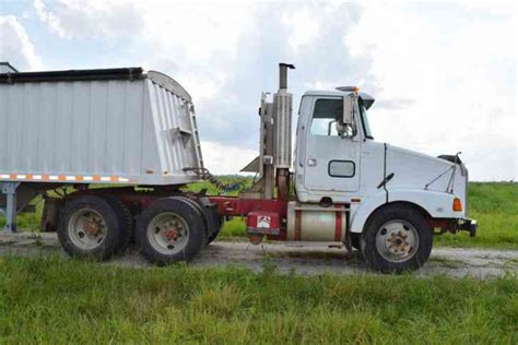 volvo highway tractor for sale volvo white gmc 1994 daycab semi trucks