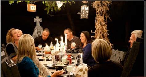 Dining Room Table Setting Ideas diy spooky halloween dinner party ideas with your cricut