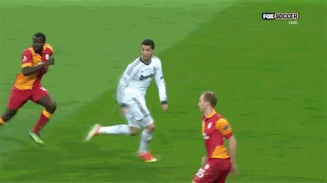 ronaldo juventus goal gif christiano ronaldo d 252 nya kupasında ortalığı kasıp kavuracağını kanıtlayan 15 g 246 rsel