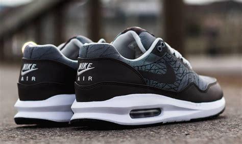 Nike Air Max Lunar 06 nike air max lunar 1 grey