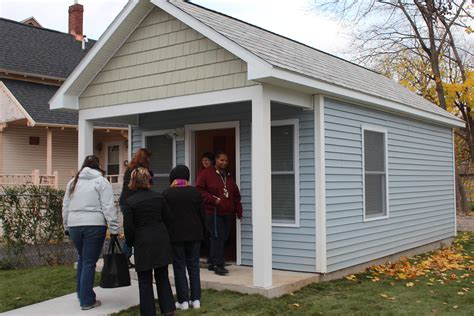 3 more tiny homes for homeless veterans built in syracuse