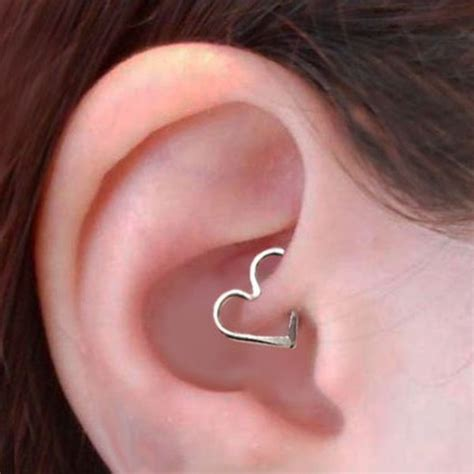 keloid und tattoo 50 daith piercing ideas pain healing cost migraines