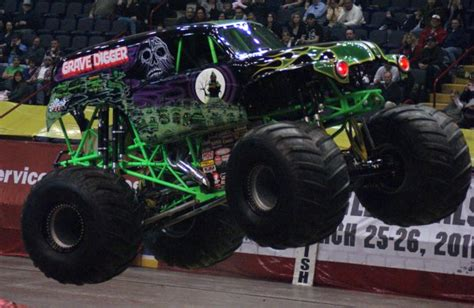 monster truck show albany ny albany new york monster jam january 21 2011