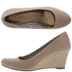 Payless Fall Sale by 1000 Ideas About Bridesmaid Wedges On Silver