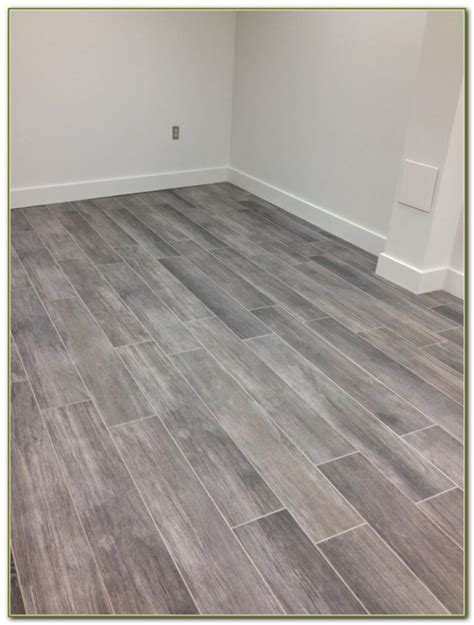 gray floor tile that looks like wood tiles home decorating ideas pw4gmkxaw6