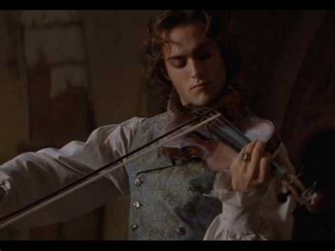 lestat and akasha queen of the damned youtube lestat playing the violin to akasha youtube