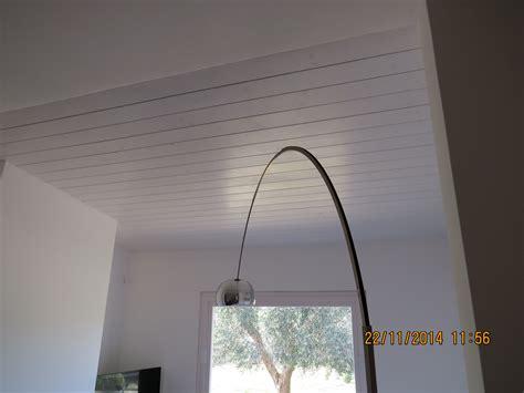 soffitto perlinato rivestimento soffitto con perline in legno perline