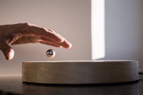 flyte clock story levitating timepiece by flyte 187 gadget flow