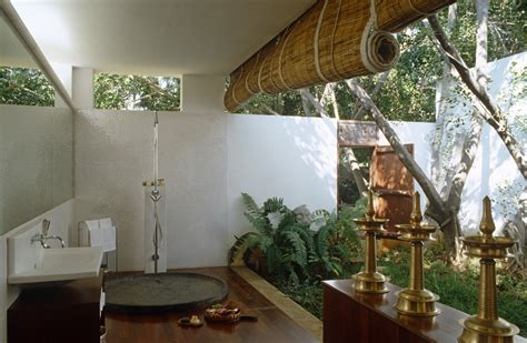 Garden Bathroom Ideas Tropical Bathroom Photos 12 Of 13