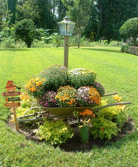 outdoor garden decor fall garden decoration ideas photograph fall yard decorati