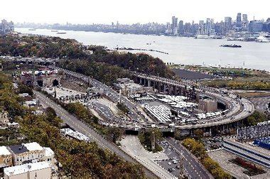 lincoln tunnel toll cost 2 arrested on nj transit for possessing air rifle