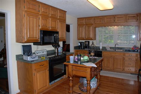 Repainting Kitchen Cabinets Repainting Kitchen Cabinets Wood Kitchen Design Ideas Repainting Kitchen Cabinets Ideas