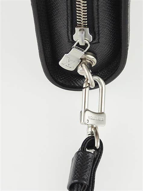 Jual Pouch Handbag Lv Louis Vuitton Baikal Taiga Black Mirror Qualit louis vuitton black taiga leather pochette baikal clutch