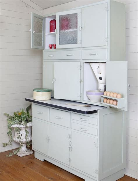 1950s kitchen cabinet 76 best decor ideas for 1952 vintage cape cod images on