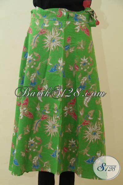 Rok Lilit Songket Keren rok batik lilit warna hijau trendy bawahan batik keren proses printing motif bunga dan kupu