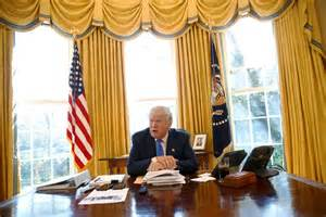 Trump Oval Office Desk by Trump Backs Missile Shield Against North Korea Pushes