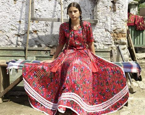 gypsy roma cultural fashion hair 104 best gypsy culture images on pinterest