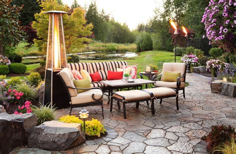 Tiki Torches Backyard by How To Use Tiki Torches To Light Up The Outdoors