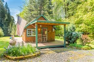Images Of Houses That Are 2 459 Square Feet Tiny Homes Under 400 Square Feet Zillow Porchlight