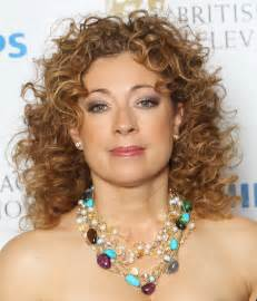 which hair style is suitable for curly hair medium height alex kingston medium length curly hair style cool curly hair