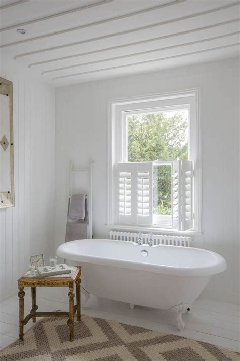 bathroom shutter blinds 25 best ideas about bathroom blinds on pinterest