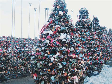 Gembok Cinta ritual gembok cinta di namsan tower