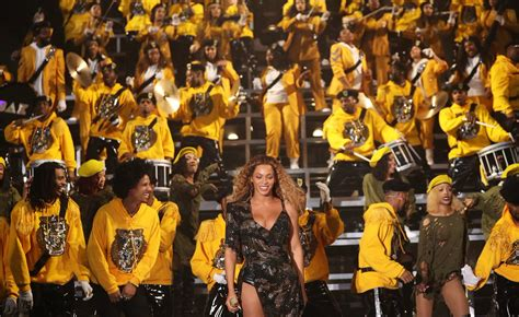 beyonce coachella coachella beyonce pays tribute to fela video