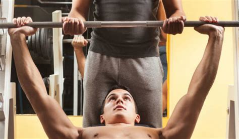 bench spotter eccentric pause for expanded muscle muscle fitness