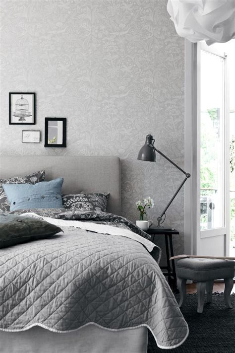 grey and white bedroom wallpaper neutradecor papel en el dormitorio