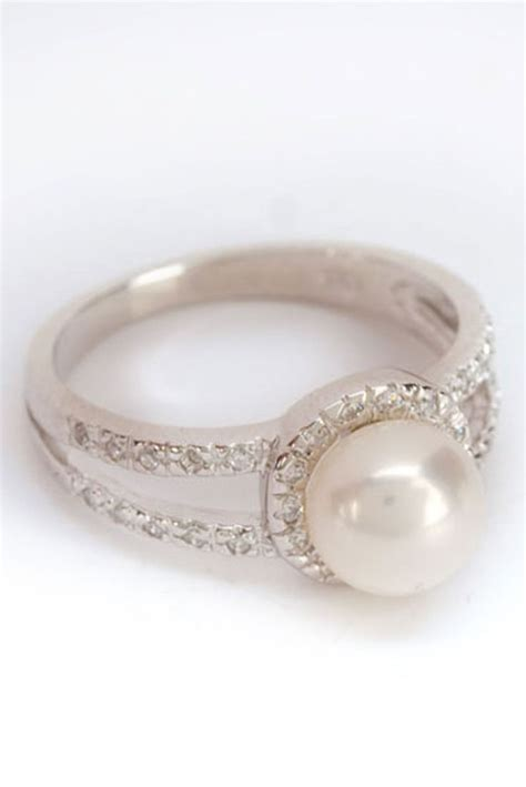 Wedding Rings With Pearls by Pin By Krista Phillips Wilde On Replacement Ring Ideas