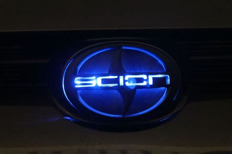bmw glowing emblem 2011 tc scionlife autos post