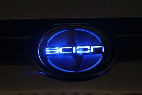 glowing bmw emblem 2011 tc scionlife autos post