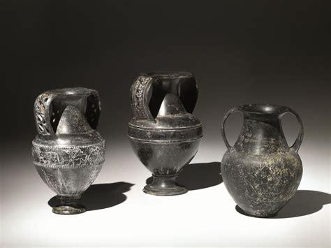 vasi di bucchero anfora di tipo nicostenico in bucchero asta arte