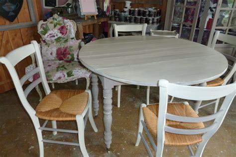 Relooker Une Table Ronde by Une Table Et 4 Chaises Relook 233 Le Gac