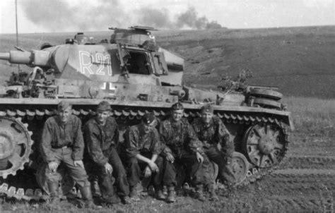 operaciones panzer las las posiciones en erizo una improvisaci 243 n de las unidades panzer alemanas grupo de estudios