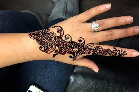 where can i get a henna tattoo near me henna tattoos henna salon thread