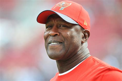 lovie smith to become buccaneers head coach reportsbest montreal bucs preparing for philly s up tempo offense pewter report