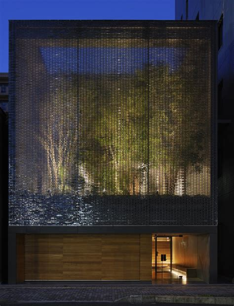 optic house a garden enclosed by 6000 glass blocks optical glass house by hiroshi nakamura