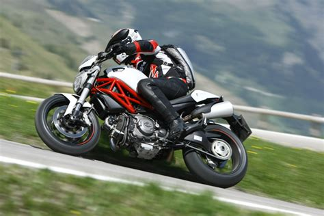 Motorrad ähnlich Ducati Monster by Ducati Monster 796 Testbericht Technische Daten